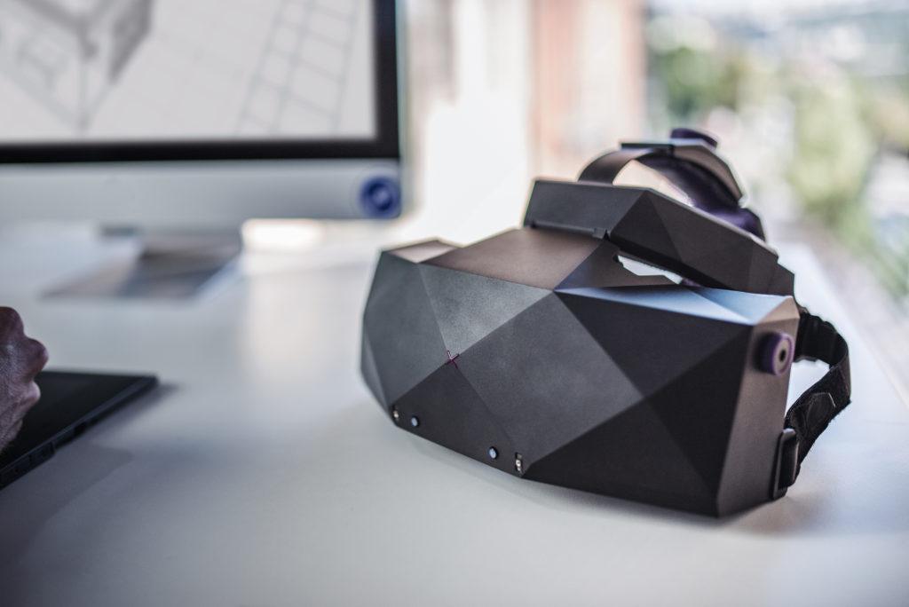 XTAL - český VR headset